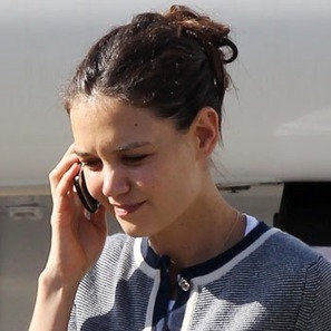 Katie Holmes Used Disposable Phone To Contact Lawyers & Jumpstart Divorce   MORONS MAKING THE NEWS   Scoop.it