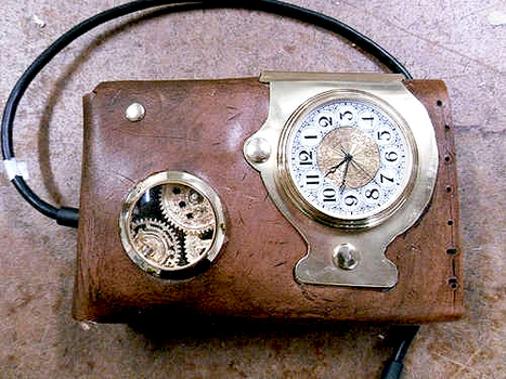 How To Steampunk an External Hard Drive Case | All Geeks | Scoop.it