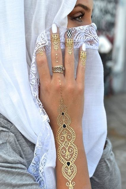 Side Tattoo For Women Henna: 10 Amazing Henna Tattoo Designs For Back Hand S