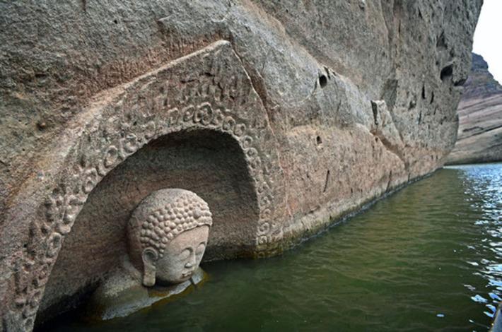 Une tête de bouddha découverte dans un réservoir d'eau en Chine | France TV Info | Kiosque du monde : Asie | Scoop.it
