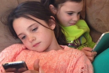 10 Ways For Families To Talk About Technology | Maria Shriver | Tech Moms | Scoop.it