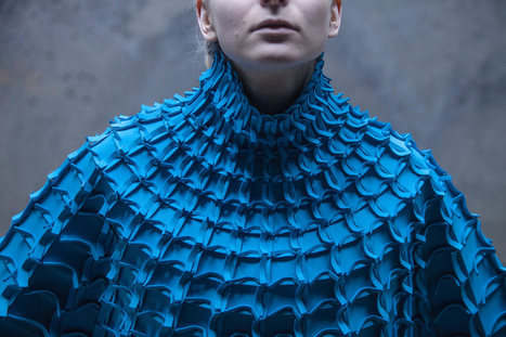Incredible Sculptural Fashion Goes Beyond Couture - Design Milk | 3D and 4D PRINTING | Scoop.it
