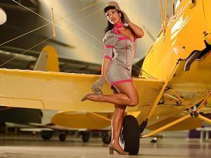 Com vestidos curtos, Índia Potira estrela editorial de moda para o site Garota Pin Up | Garota Pin-Up | Scoop.it