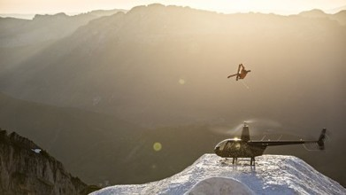 Candide Thovex on jumping choppers in 'One of Those Days' | Freeride skiing | Scoop.it