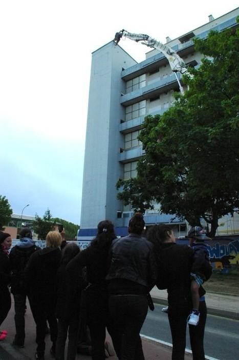 Empalot: l'immeuble Fréjus s'effondre, les souvenirs restent | Toulouse La Ville Rose | Scoop.it