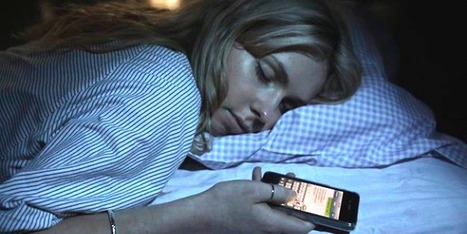 This is what happens when you check your smartphone before you go to sleep | Social media don't be overwhelmed! | Scoop.it