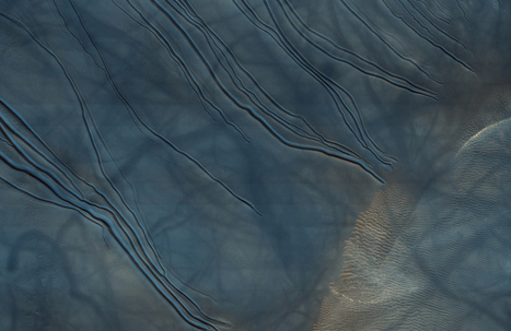 Alien frontier: See the haunting, beautiful weirdness of Mars in Hi-Res Pictures | Amazing Science | Scoop.it
