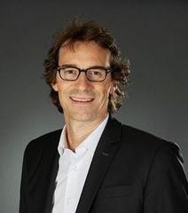 """Thibaut Gemignani (Figaro Classifieds):""""En achetant Viadeo, nous comptons rendre complémentaires réseaux sociaux pro et sites d'emploi""""   Usages professionnels des médias sociaux (blogs, réseaux sociaux...)   Scoop.it"""