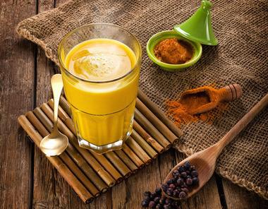 Mélange de curcuma + gingembre avec lait de coco, un rituel ayurvédique révolutionnaire!   Bien-Être, Santé et Energie   Scoop.it