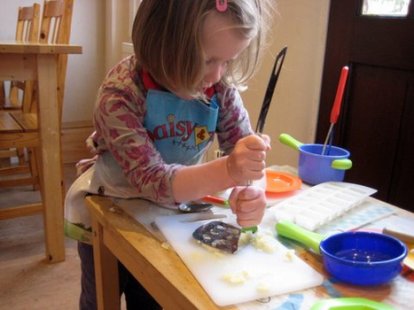 sensory play with potatoes | NurtureStore | Jardim de Infância | Scoop.it