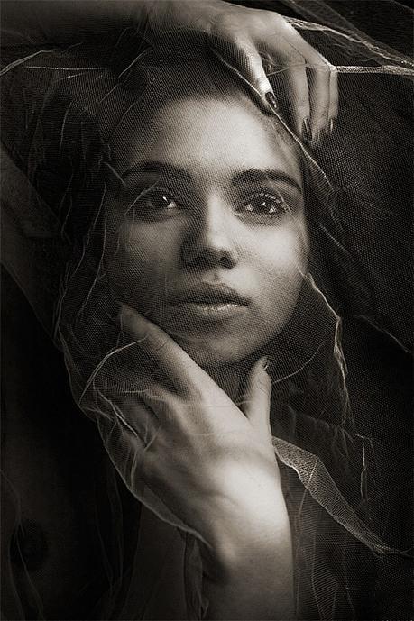 Daniel Ilinca's Conceptual Glamour Photography - Daily Art | Machinimania | Scoop.it
