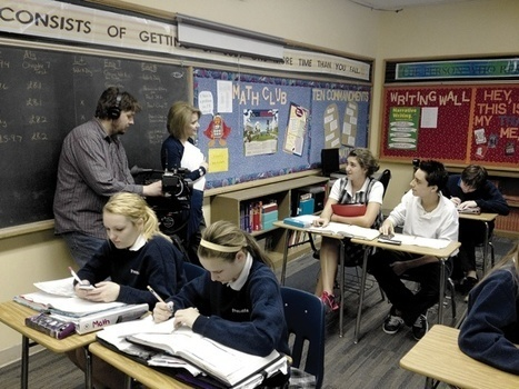 Students and teachers benefit from 'flipped' classroom - The Catholic ... | Education Apps and Ideas | Scoop.it