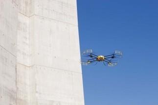 Surprises du BTP : un drone pour ausculter le viaduc de Millau - Innovation chantiers - LeMoniteur.fr | Robotique de service | Scoop.it