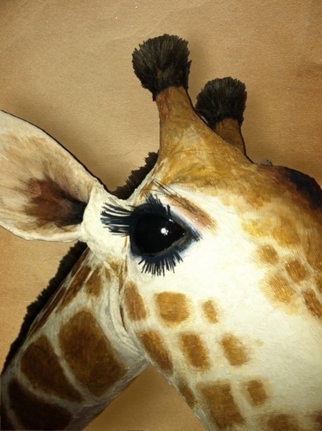 Recycled/Repurposed Giraffe Sculpture | Recyclart | Papier | Scoop.it