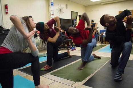 Yoga nonprofit helps LGBTQ, AIDS and HIV community - New York Daily News | Beatriz | Scoop.it