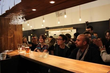 Le Social Bar : ici boire un verre est aussi utile qu'agréable | Etourisme et social média | Scoop.it