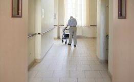 Ehpad : Le Sénat vote une proposition de loi instaurant «un véritable droit de visite» des résidents