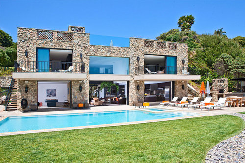 incroyable maison contemporaine en pierre au style italien malibu beach usa construire. Black Bedroom Furniture Sets. Home Design Ideas
