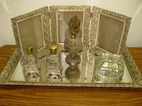 Total Vtg Vanity Set | Flickr - Photo Sharing! | Vintage Whatever | Scoop.it