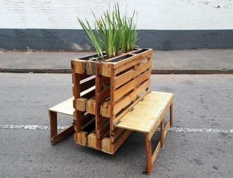 Fabulous Pallet Garden Bench In Pallet Wood Projects Scoop It Creativecarmelina Interior Chair Design Creativecarmelinacom