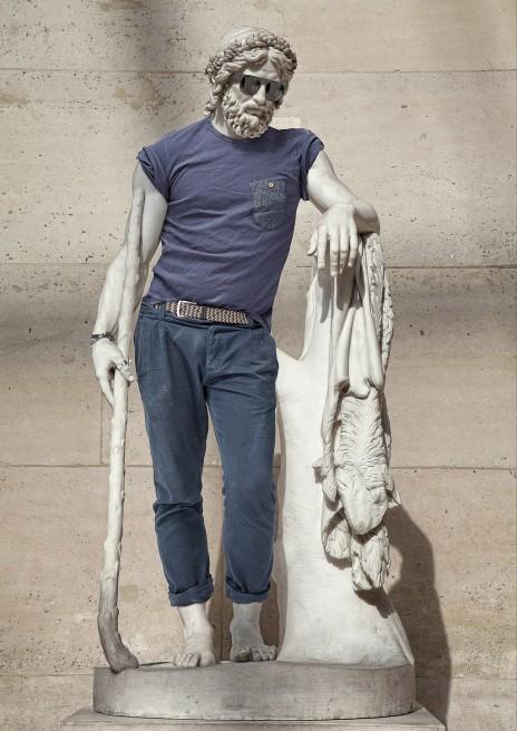 «Hipster in Stone»: le photographe Léo Caillard rhabille les statues   Art Reboot   Scoop.it
