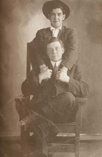 Bosom Buddies: A Photo History of Male Affection | What's new in Visual Communication? | Scoop.it