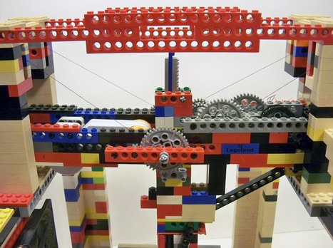 legobot 3D printer made entirely out of LEGO - Designboom | 3-D Printing Stories | Scoop.it