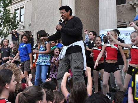 Thousands of enthusiastic people of all ages joined  '60s rock and roll legend Chubby Checker downtown to twist the night away Thursday, setting a new Guinness World Record in the process. | It's Show Prep for Radio | Scoop.it