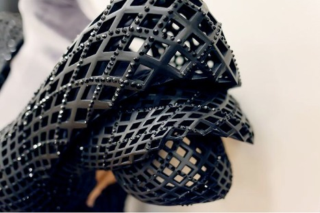 Stunning Dita Von Teese in Revolutionary 3D-Printed Dress | Art for art's sake... | Scoop.it
