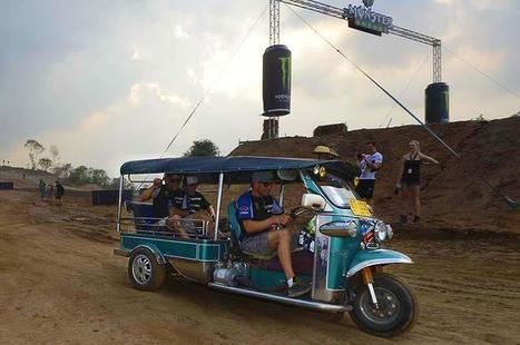 """""""นักแข่งโมโตครอสโลก เปลี่ยนใจหันมาแข่งตุ๊ก-ตุ๊ก The MXGP riders change their bikes for a Tuk-Tuk   FMSCT-Live.com   Scoop.it"""