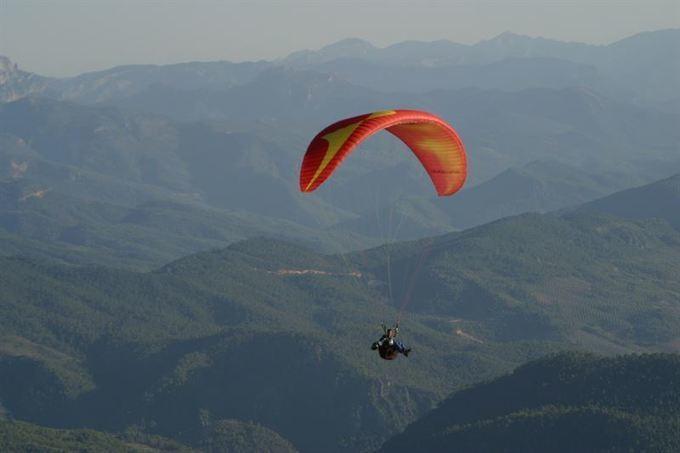 Los paracaidistas pueden sufrir una luxaci&oacu...