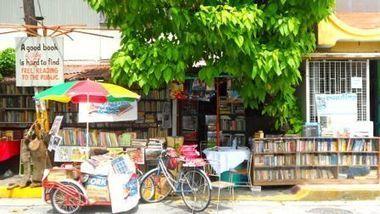 L'homme qui ouvre sa bibliothèque au public [Vagabondages]   bibliotheques, de l'air   Scoop.it