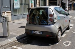 Vincent Bolloré joue à cache-cache avec sa voiture électrique | Open source car | Scoop.it
