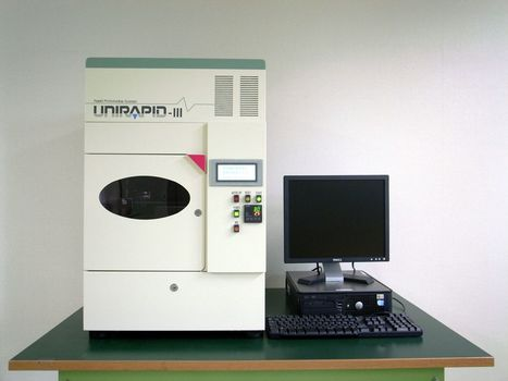 The new Unirapid 3, SLA 3D printer with crazy resolution   Digital Design and Manufacturing   Scoop.it