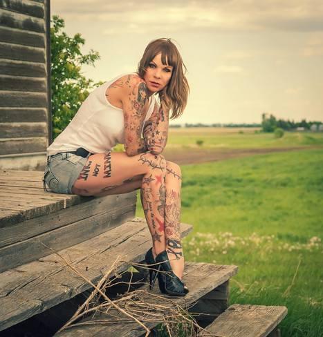 Inked Girl Sandy P.Peng Brings Life Into Solemn Landscapes   Inked Girls   Scoop.it