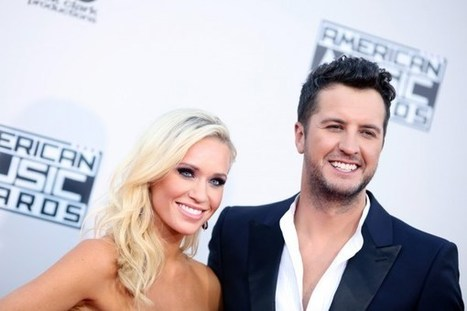 Luke Bryan Reminds Kids Jesus Is the Reason for the Season | Country Music Today | Scoop.it