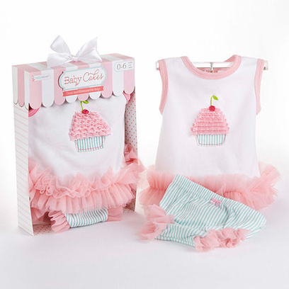Newborn Infant Bloomer and Tunic Cupcake Gift Set | Babies Shower Gifts | Scoop.it