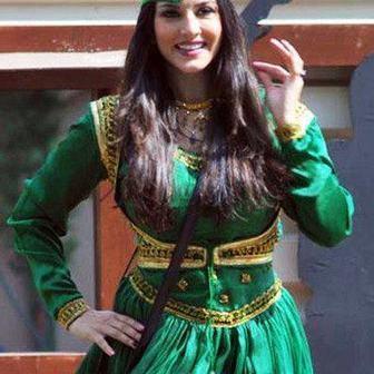 Sunny Leone in a Pakistani Anarkali Salwar Kameez Dress - Fashion Pictures | Indian Fashion Updates | Scoop.it