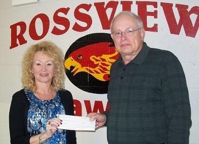 Planters Bank Presents Checks to Rossview Schools » Clarksville, TN Online | Tennessee Libraries | Scoop.it