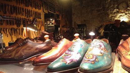 Paris, visite de l'atelier Stanislas, artisan bottier cordonnier | Métiers, emplois et formations dans la filière cuir | Scoop.it