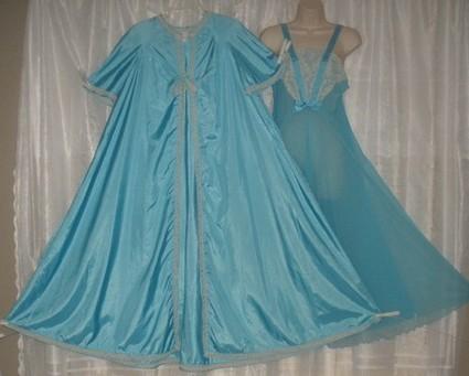 A Peignoir Set Fit For A Princess | Antiques & Vintage Collectibles | Scoop.it
