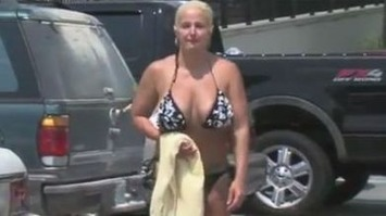 Woman in Bikini Kicked Out of Water Park for Full Figure | Herstory | Scoop.it