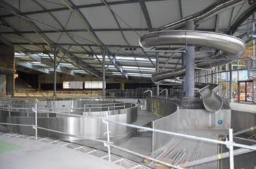 Le futur centre aqualudique du puy s 39 appellera for Piscine la vague le puy en velay