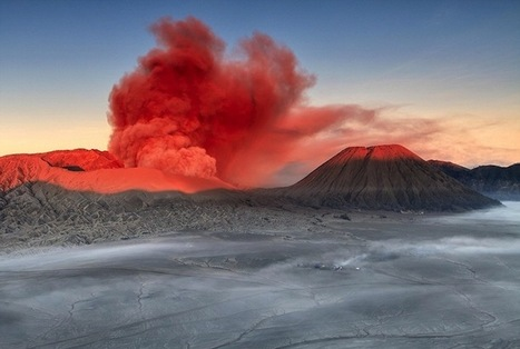 Spectacular Volcanic Smoke Surreally Wafts Over Mt. Bromo - My Modern Metropolis   Le It e Amo ✪   Scoop.it