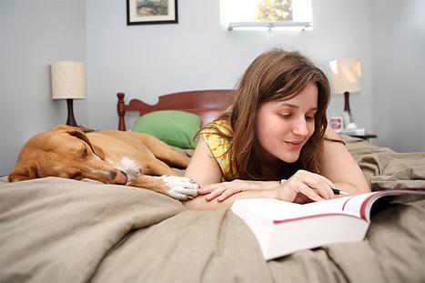 Like the old joke says, books are better 'in bed' | Jacket Copy | Los Angeles Times | Read Ye, Read Ye | Scoop.it
