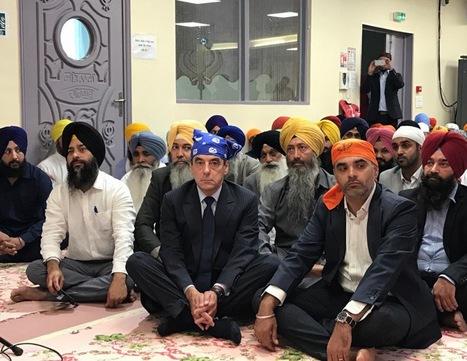 VIDÉO - En visite chez les Sikhs de France, François Fillon (avec un bandana sur la tête) a bien fait marrer Twitter | Crise de com' | Scoop.it