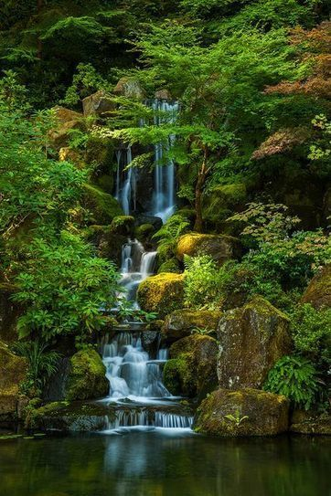 USA | Portland Japanese Garden, Portland, Oregon | I spent some time in the Portland Japanese Garden during a beautiful summer day a few weeks ago. Fortunately the famous waterfall was mostly in sh... | A Love of Japanese Gardens | Scoop.it