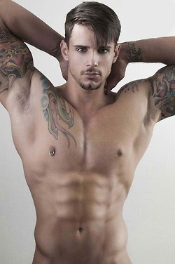 | EYE CANDY HUNK | | QUEERWORLD! | Scoop.it