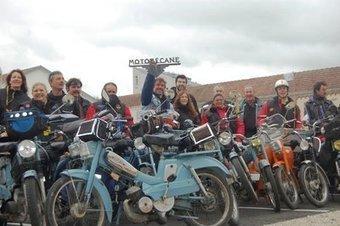 Une virée « bleue » de 1 335 km en Motobécane | Voyages et balades à moto | Scoop.it