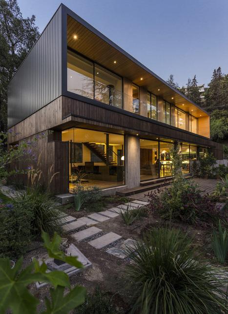 superbe combinaison de bardages zinc et bois pour cette maison contemporaine chilienne - Maison Moderne Avectoiture